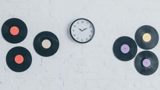vinyl records made into clocks